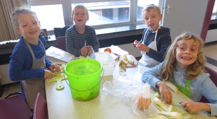 2de leerjaar-fruitsla-maken
